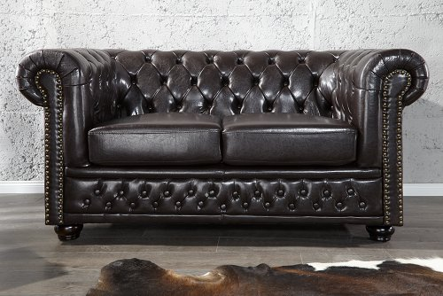 Invicta Interior 9685 Chesterfield Sofa 2-er mit Nietenbesatz, dark coffee