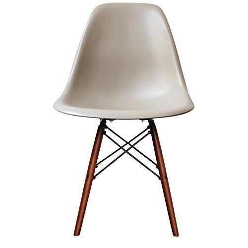 Retro-Stuhl-Kunststoff-mit-Holzbeinen-skandinavischer-Stil-0